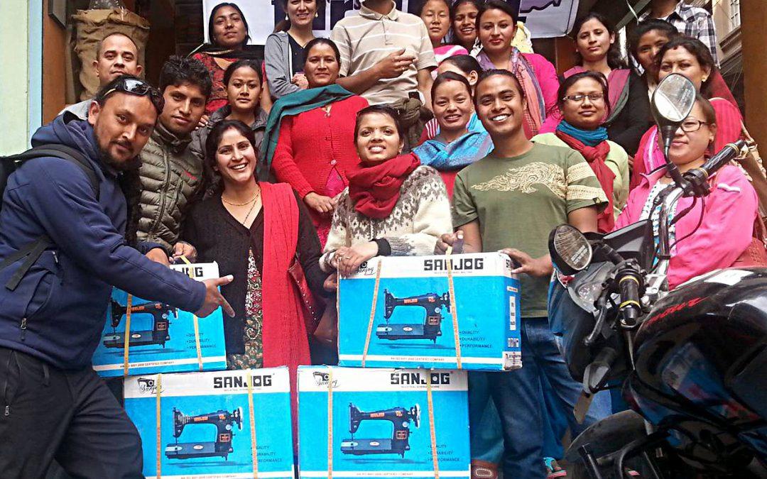 Zusätzliches Einkommen für ausgewählte Familien in Nepal – die ersten 14 qualitativ hochwertigen Nähmaschinen sind verteilt!!