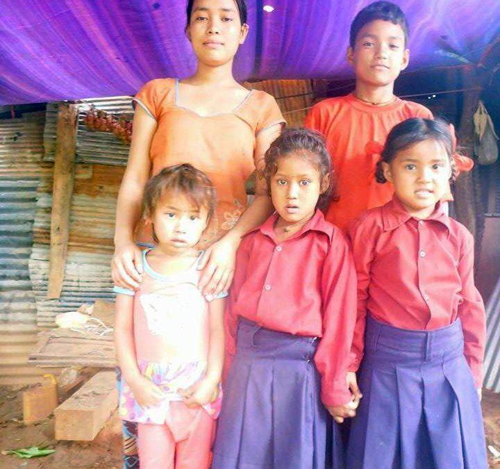 Unsere kleine Lehrerin – Manita Tamang: Nachhilfe in Dhading